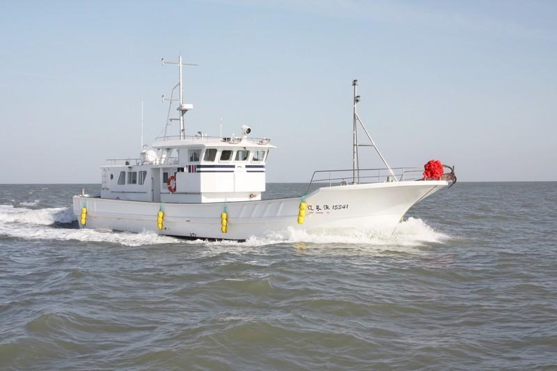 供应威海BY8801系列玻璃钢渔船休闲海钓船养殖船
