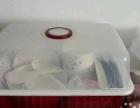 一整套碗筷及碗筷收纳箱
