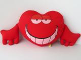 深圳抱枕厂 定制环保氨纶抱枕靠垫 定做心形抱枕靠垫 可印LOGO