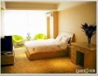 日租短租大床房高层小户型套房