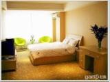 日租短租大床房高層小戶型套房