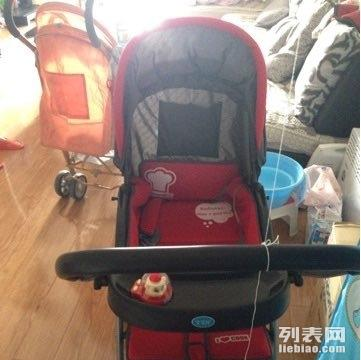 转婴儿推车,98新,才买的,因为幺儿不喜欢坐,所以低价转