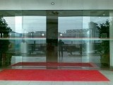 松江自动感应门专业维修 玻璃门下沉 电动门脱轨