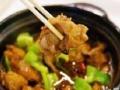 出售杨铭宇黄焖鸡米饭的酱油,厨具桌椅之类的东西,可