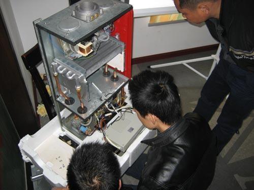 武汉威能壁挂炉维修 采暖炉 地暖 锅炉不打火官方售后客服电话