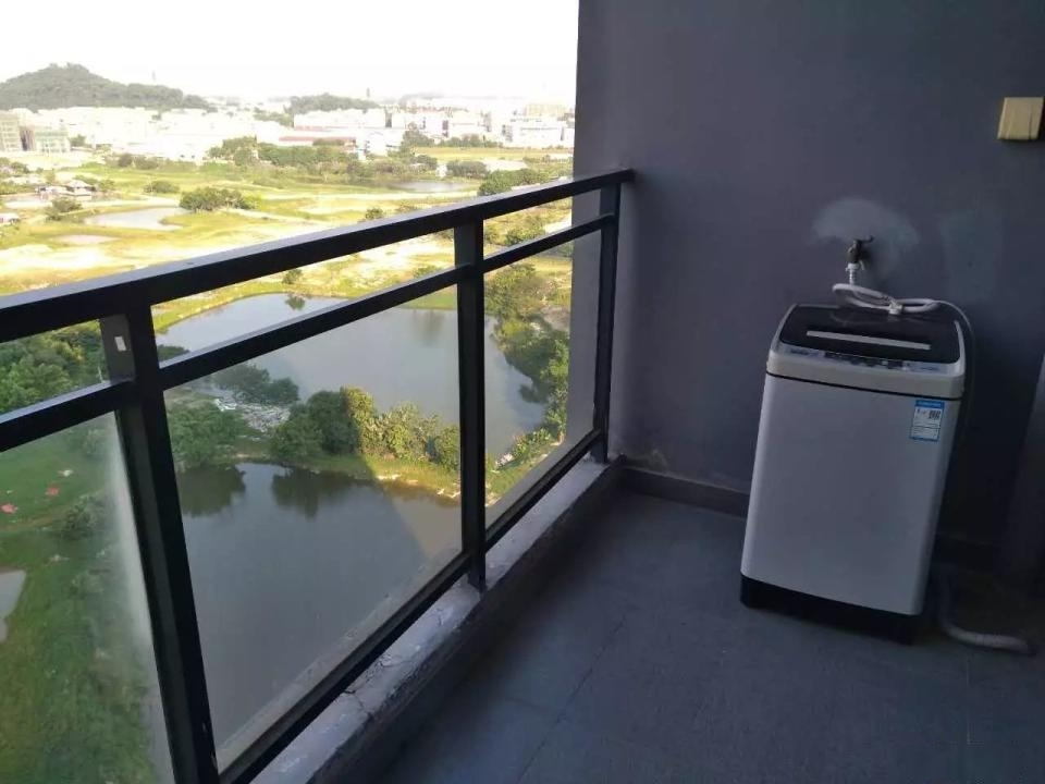 天安菁华公寓一室一厅家私家电齐全放租