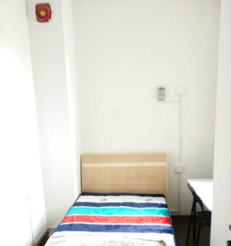 房子干净包水电物业宽带空调可以随时看房
