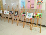 胡桃色1.45米松木三角画架厂家 上海地区可出租使用