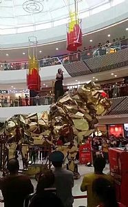 雨屋镜花宫鲸鱼岛地板钢琴蜂巢迷宫圣诞树发光秋千出租