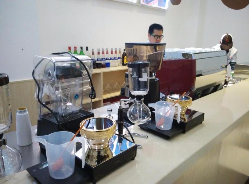 成都咖啡品鉴会服务 成都红酒品鉴会服务 成都咖啡红酒设备出租