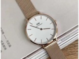 跟大家解释下v9厂复刻手表哪里能买哪里有,批量的话多少钱