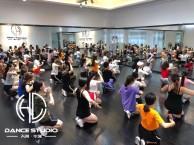 广州专业培训钢管舞的学校 钢管舞蹈培训学校 华翎