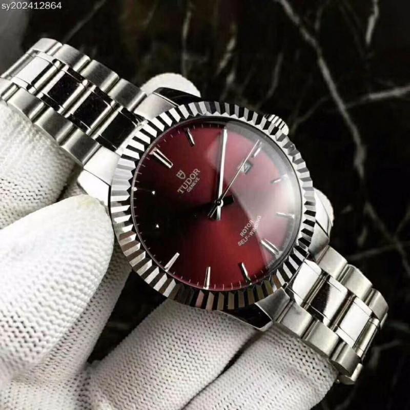广州高仿手表奢侈品服装货源批发在哪儿