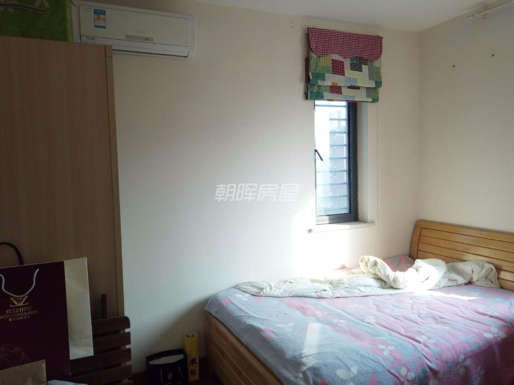 天鹅湖 万象城 广电 国建香榭水都 精装二房 看房有钥匙!!