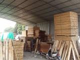 求购大量废旧木托盘仓库卡板垫仓板