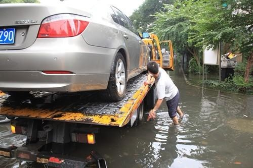 上海附近汽车 24小时汽车救援 更换电瓶