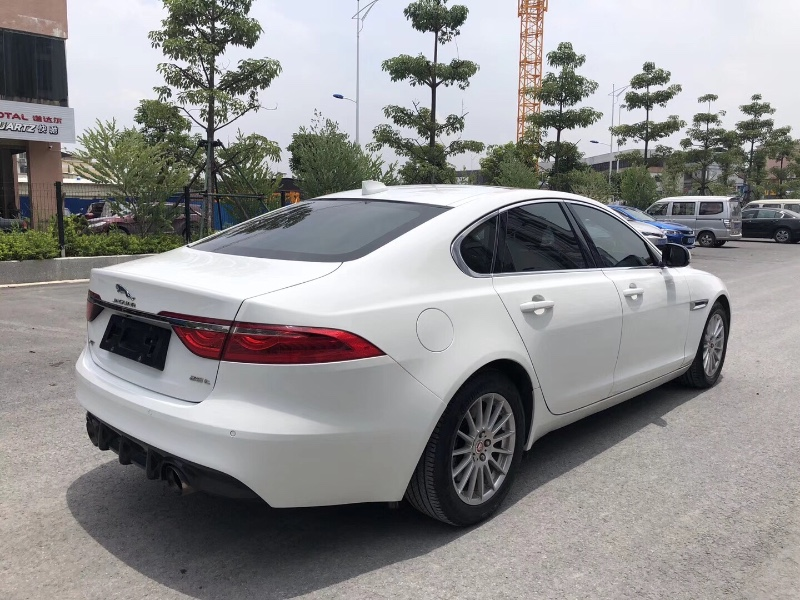 16年粤户捷豹XF2.0T