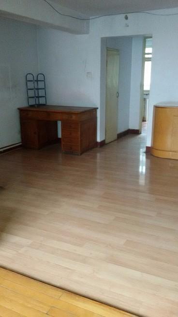个人六中家属院2室1厅1卫70平米楼房900元/月南北通透
