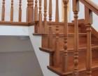 品家工厂看实样 整木家装厂家定制原木楼梯 白色橡木子母门款式