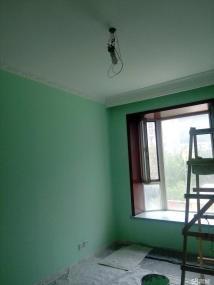刮大白工人刷乳胶漆贴壁纸