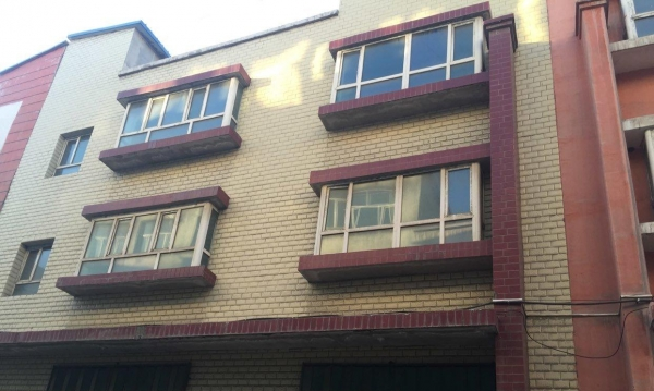 米东区露天矿客运站对面房屋出租
