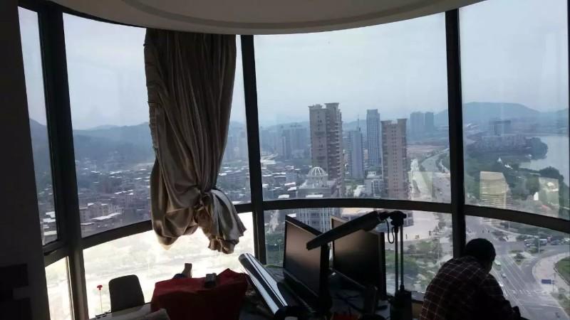 家居玻璃如何防晒?落地玻璃西晒解决的办法?阳台玻璃西晒怎么办