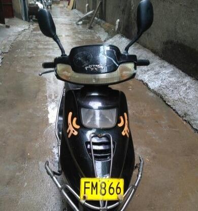 精通天马110踏板摩托车