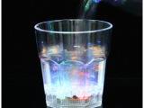 LED酒杯水感应发光八角杯闪光杯子创意酒杯KTV小杯子