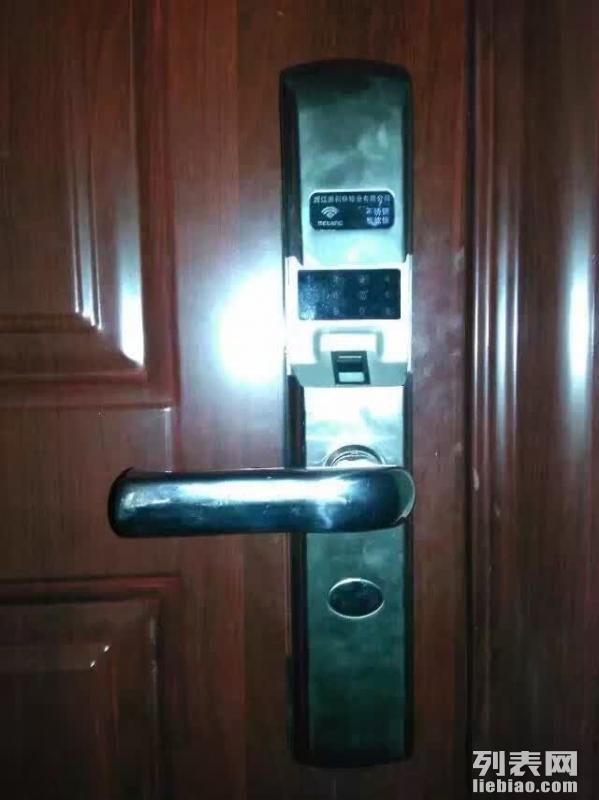 南昌24小时急开锁,换锁,青山湖区夜间急开锁,开汽车门锁