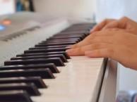 深圳清水河钢琴培训学不好钢琴的孩子可能是少了竞争意识