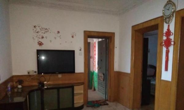 中医院附近 干净舒适 两房两厅 家电齐全 拎包入住 免费看房