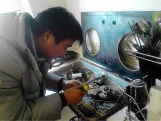 温州专业清洗油烟机 修油烟机洗油烟机修各种高档油烟机保修一年