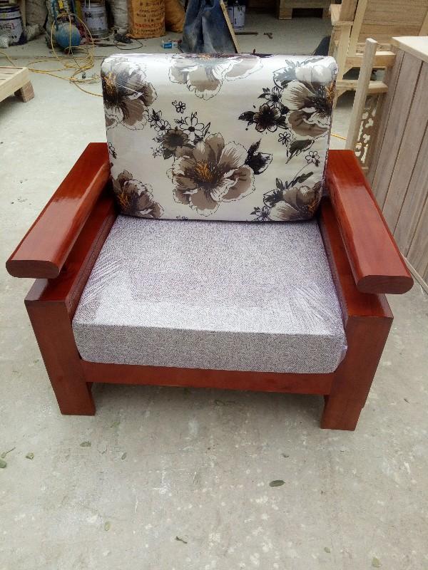 厂家常年批发实木沙发,春秋椅
