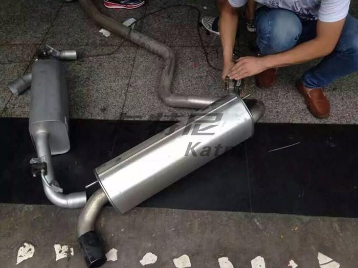 成都宝马118排气改装双边排气管高清图片