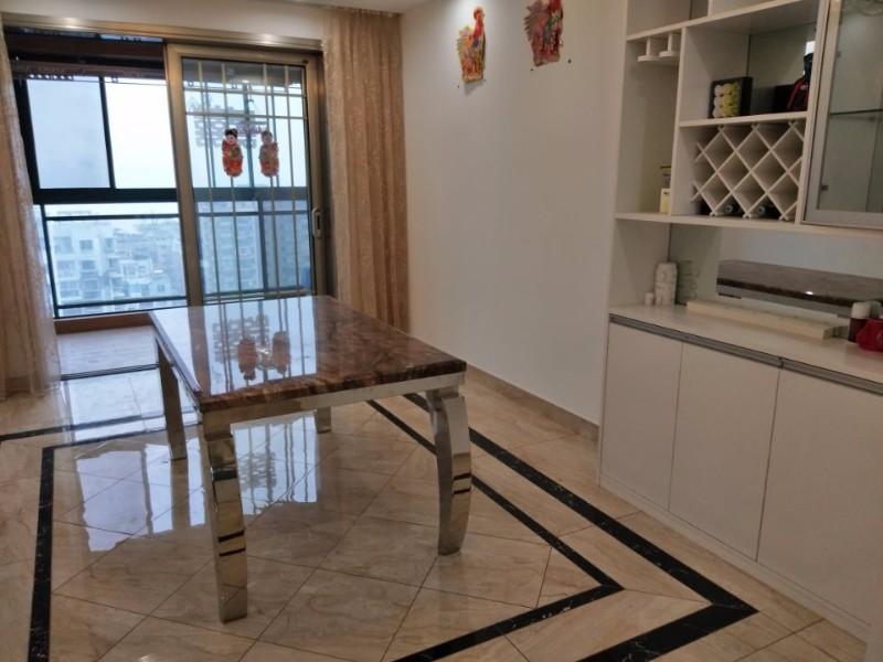 人民路 滨江至尊 5室 2厅 180平米 出售