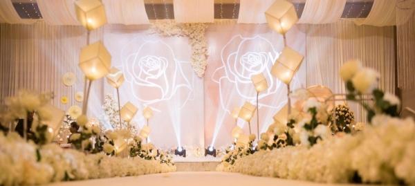 婚礼策划 婚礼布置 四大金刚 婚纱礼服年底钜惠中