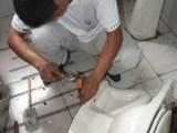 广州维修洗手盆洗菜盆马桶漏水-拆装马桶-水龙头漏水维修