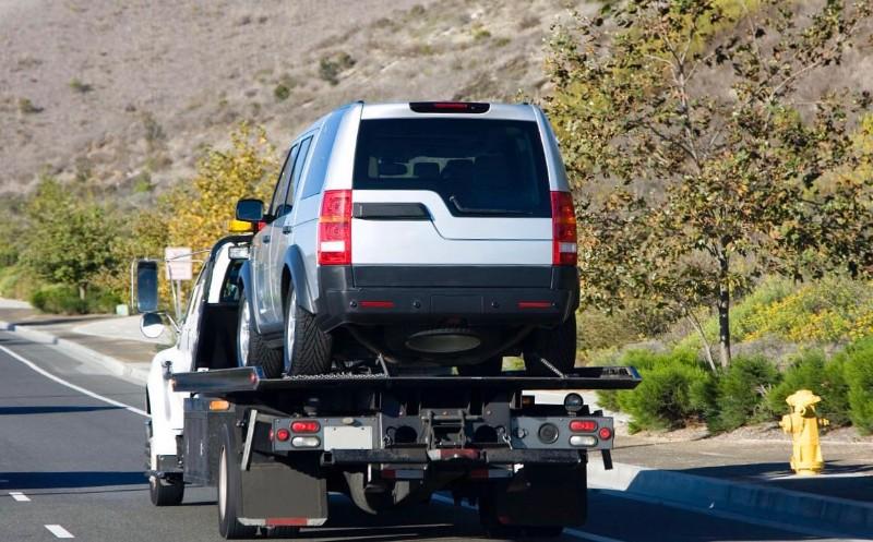 烟台道路救援搭电换胎送油烟台拖车烟台流动补胎救援电话