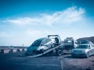 锡林郭勒本地 汽车救援 拖车 补胎换胎 汽车搭电 送油