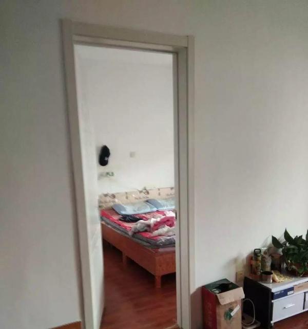 东城大海鑫天地134平3楼3室2厅1卫出租