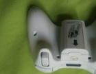 出闲置的XBOX36O游戏机的原装无线手柄,和硬盘。