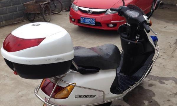 转让进口本田100摩托车一辆1900元