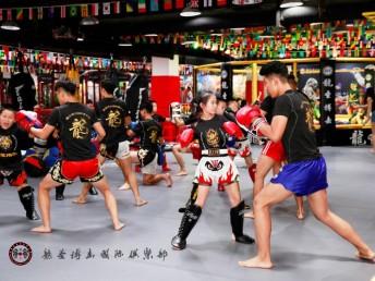 北京龍圣搏擊俱樂部散打格斗培訓
