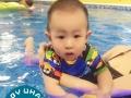 湖州宝宝游泳馆_这么小的宝宝学游泳会不会呛到水