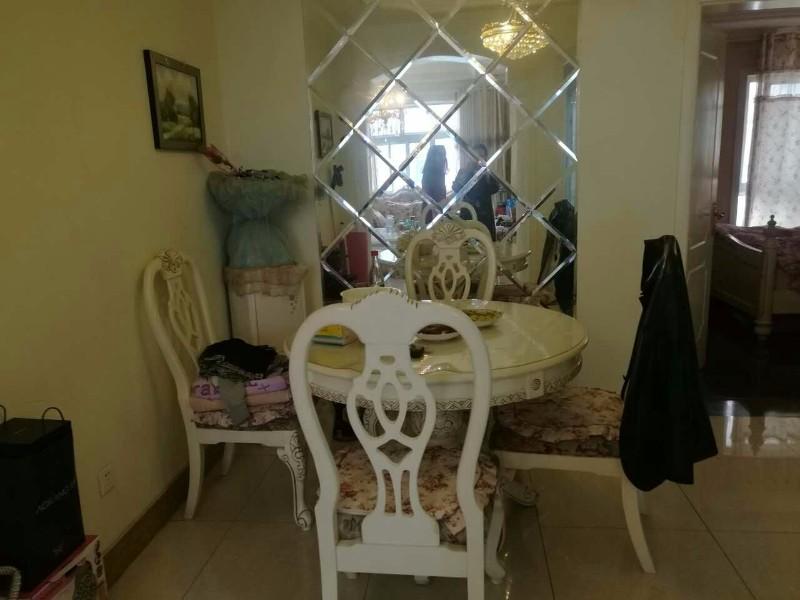 浦东 津华苑 3室 2厅 100平米 出售 欧式精装修