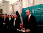 菲达利与爱尔兰总理相约点绿长城 ,共同欢庆圣帕特里克节