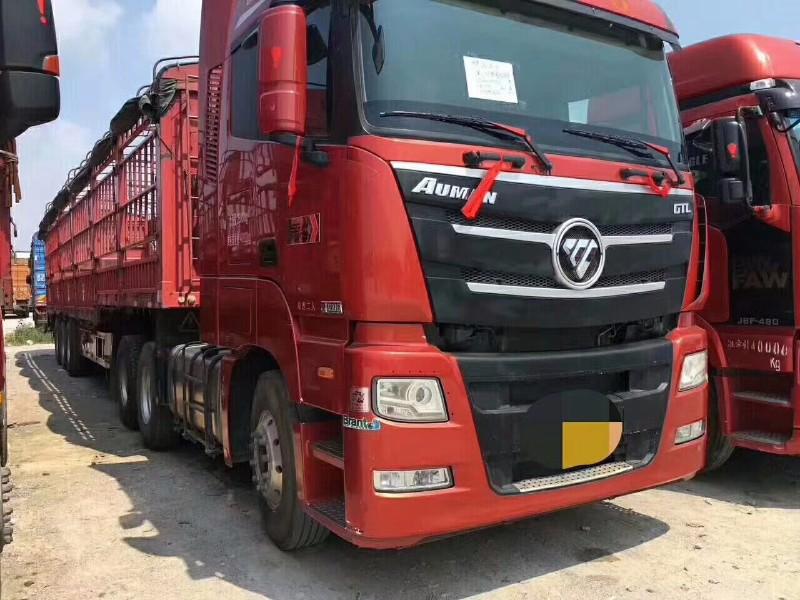福田欧曼欧曼GTL牵引车司机在开的车子转行出售
