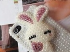 满珍珠手机镶钻壳 苹果4S珍珠手机壳眯眼小兔子手机外壳