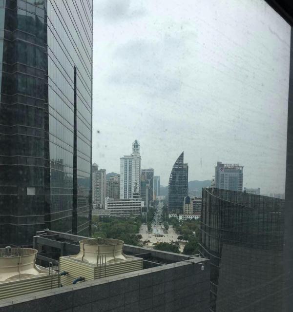 城中人民广场 柳州地王国际 楼中楼6室 2厅 180平米