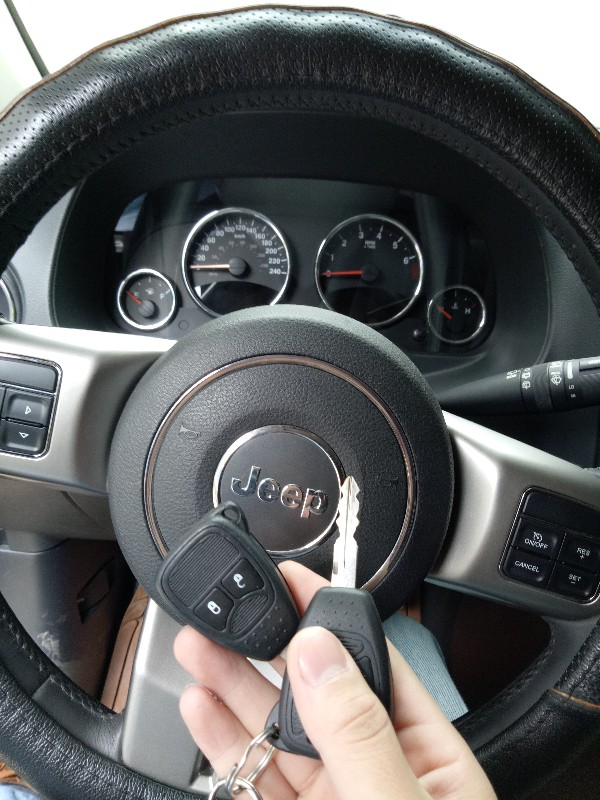 景洪开锁换锁,专业匹配汽车遥控钥匙芯片解码
